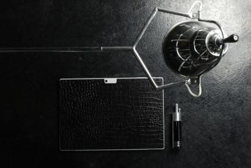 Microsoft公式ライセンス商品 :  THE LEATHER SKIN for Microsoft Surface Pro 4 Crocodile Black